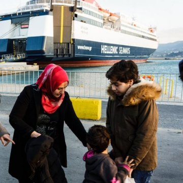 UN agency chief urges stronger cooperation to aid refugees' transfer from Greek islands