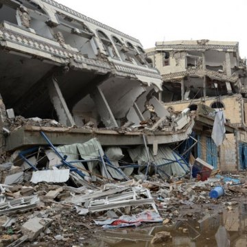 UN rights office gathering info on air strikes in Yemen; urges protection of civilians